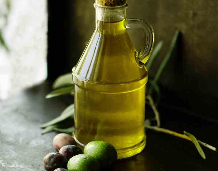 Olio extravergine di oliva, bio e dop. Olio Evo.