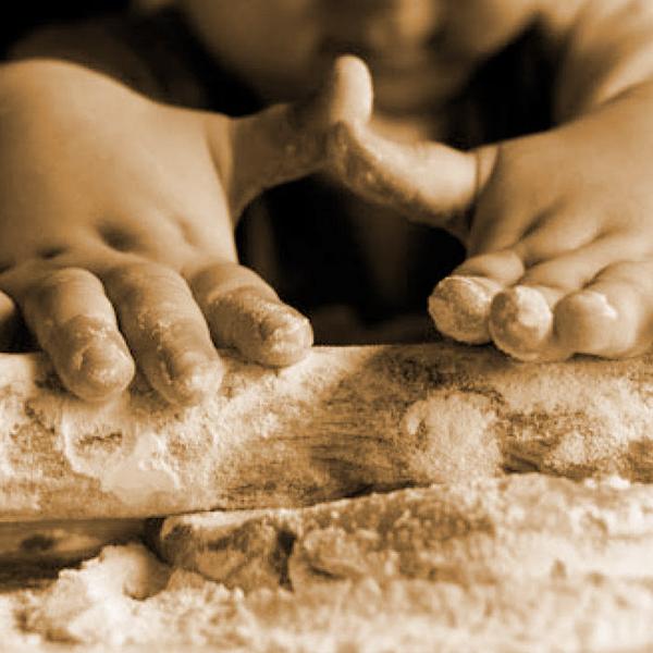 mani in pasta come si fa la pasta biofattoria
